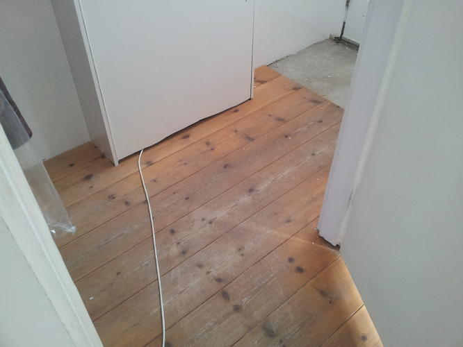 Houten vloer schuren en verven werkspot