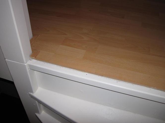 Aansluiting bovenste traptrede op laminaatvloer werkspot