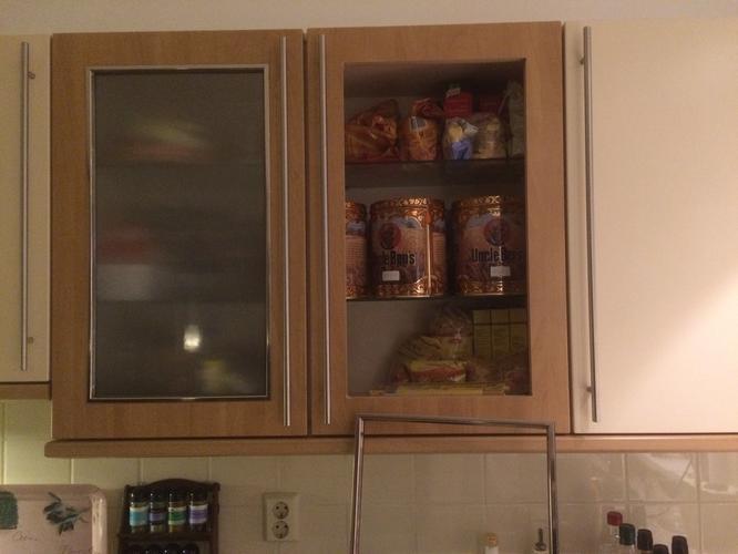 Keukenkast Deuren Vervangen : Vervangen glas in deuren van keukenkast werkspot