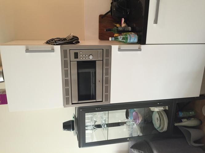 Super Koelkast en combimagnetron uit inbouwkast en nieuwe oven en DL-94