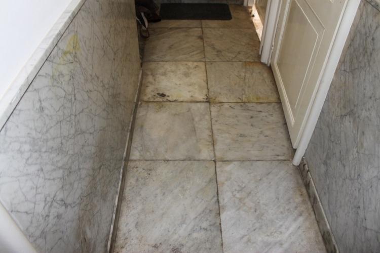 Marmer grijs wit restaureren en polijsten werkspot - Tegel grijs antraciet gepolijst ...