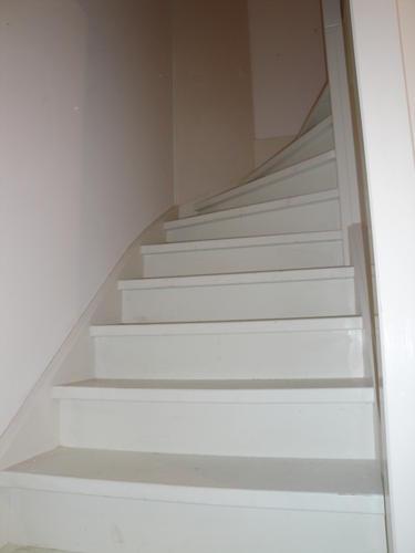 Schilderen van 2 trappen in nieuwbouwhuis werkspot - Schilderen muur trap ...