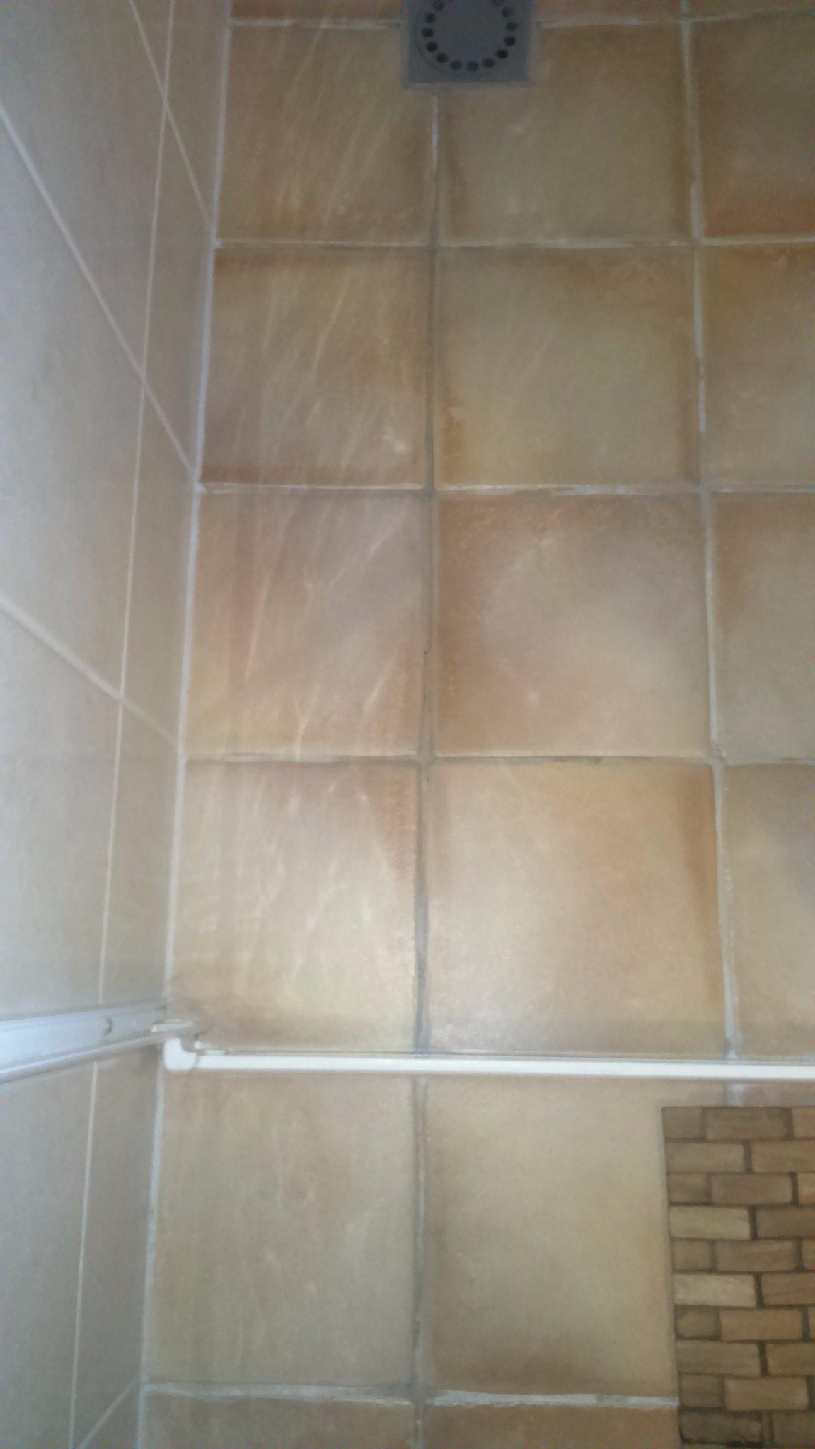 repareren tegelvloer badkamer - Werkspot