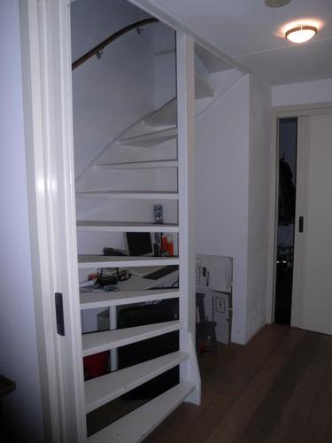 Open trap dichtmaken kastruimte maken dmv een deur for Trap plaatsen naar zolder