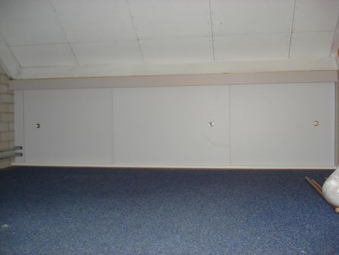 Plaatsen schuifdeuren zolder   Werkspot