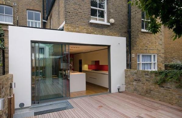 Uitbouw serre werkspot for Moderne aanbouw aan klassiek huis