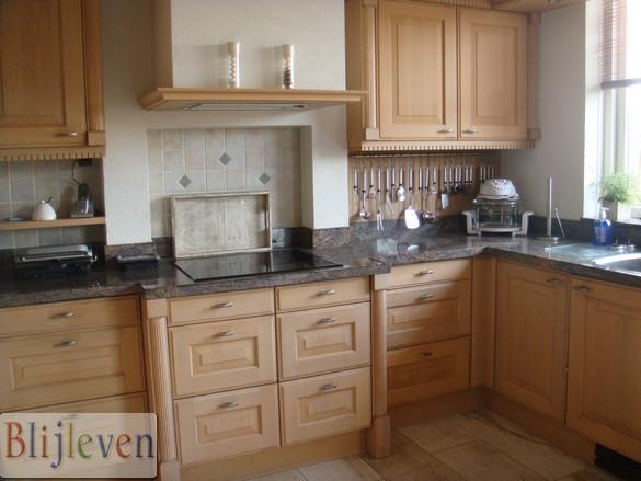 Lakken eiken keuken werkspot - Keuken licht eiken ...