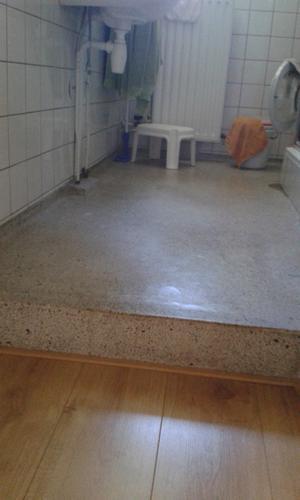 Bekend Uithakken van granieten badkamervloer - Werkspot BB46