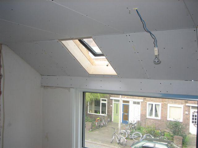 Slaapkamer plafond stuccen en afwerken - Werkspot