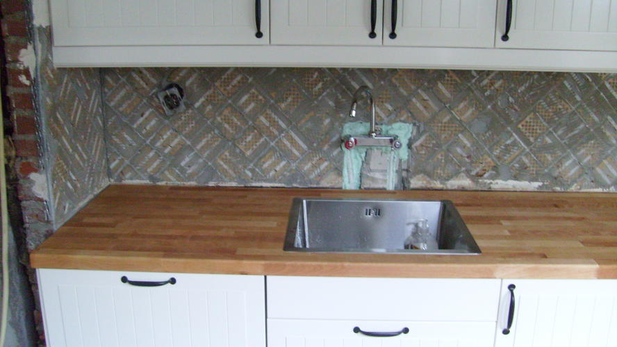 Extreem Tegels zetten boven aanrecht nieuwe keuken - Werkspot #BT61