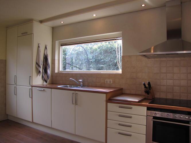 Keuken Tegels 10x10 : Nieuwe wandtegels in de keuken werkspot