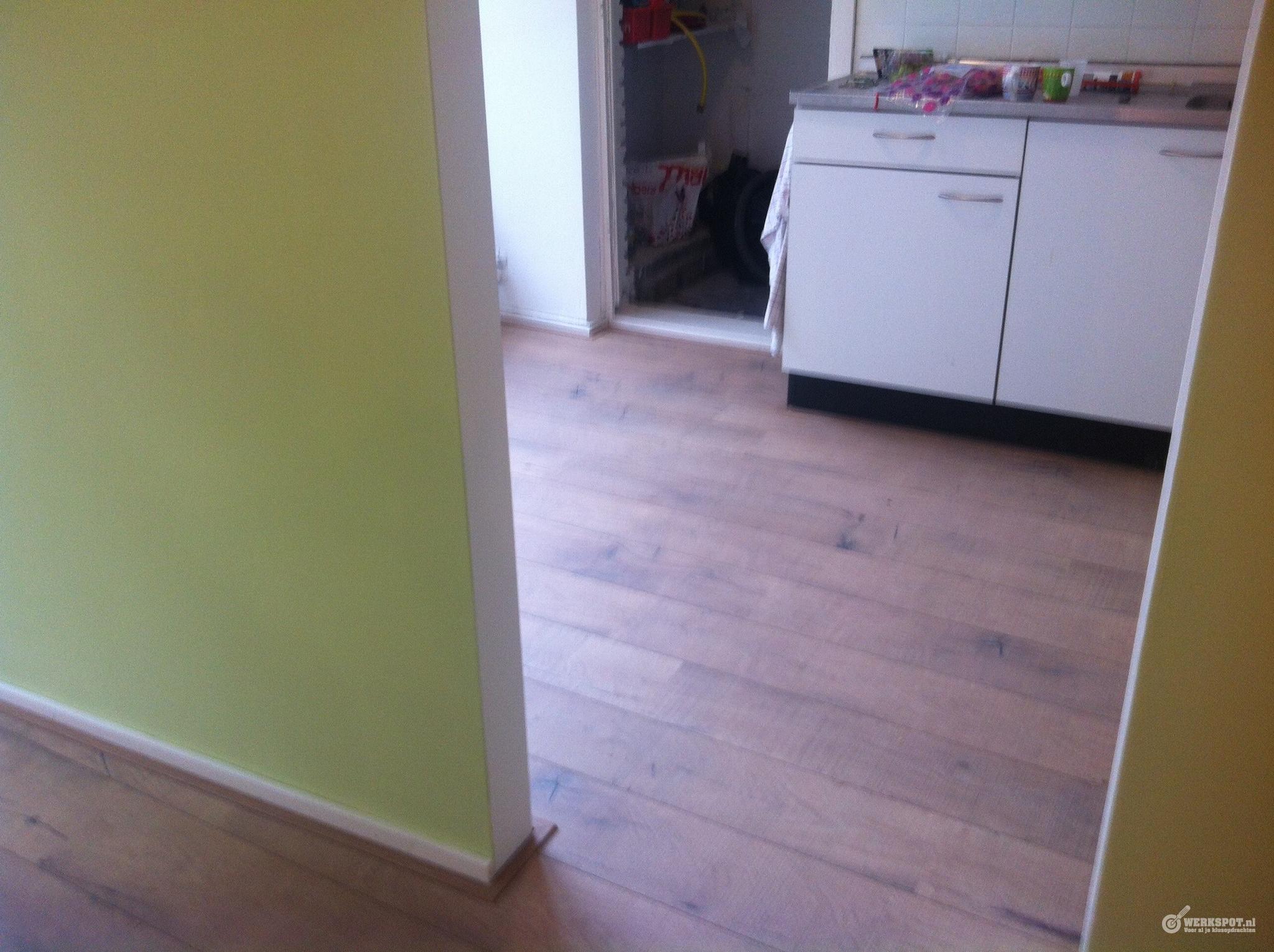 Laminaat Leggen Ondervloer : Laminaat leggen incl ondervloer en plinten in appartement m