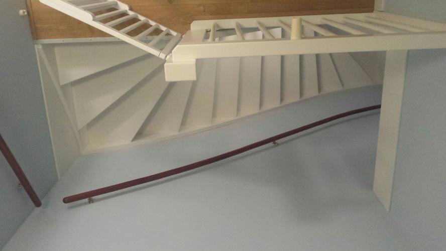 Dichte vaste trap inmeten leveren plaatsen naar zolder for Vaste zoldertrap incl plaatsen en inmeten