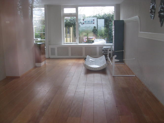 houten vloer woonkamer schuren - Werkspot