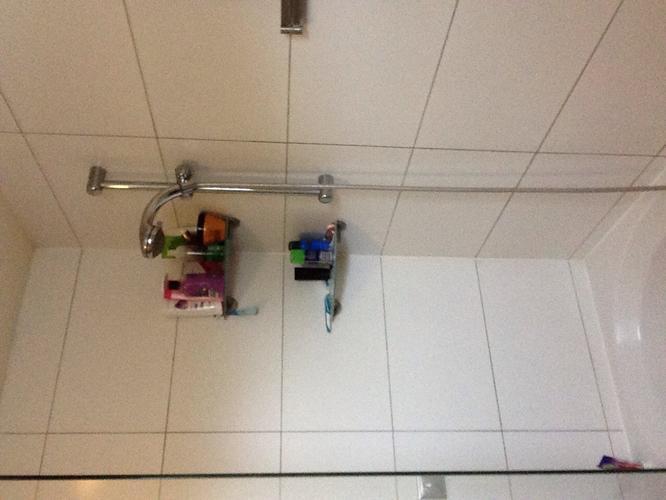 Badkamer laten kitten kosten tegel vervangen badkamer opknappen