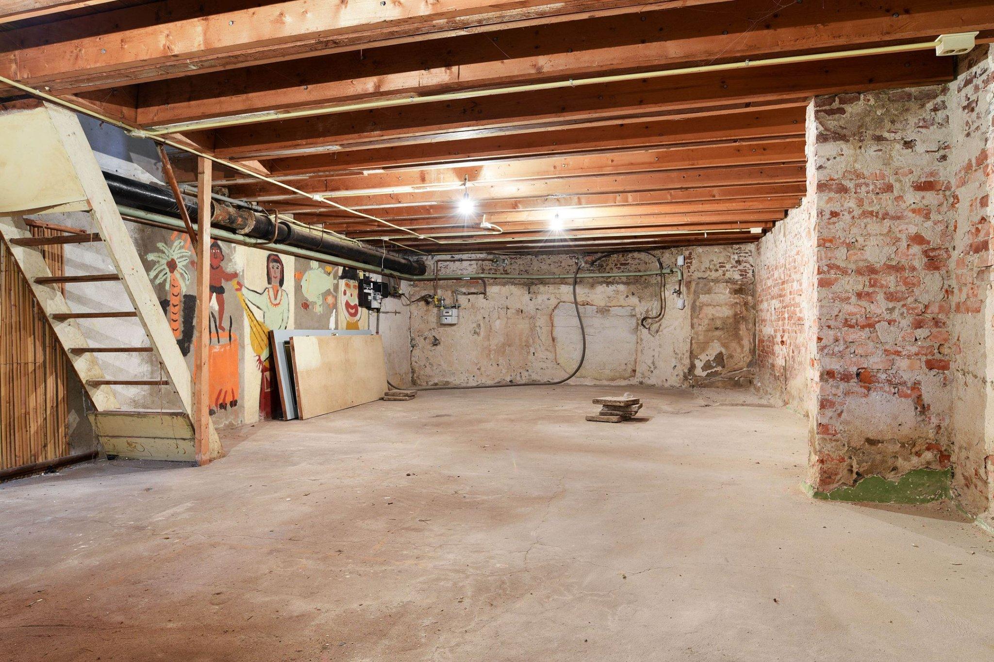Beroemd Vloer verhogen woonkamer tbv hoger plafond soutterain - Werkspot &ER38