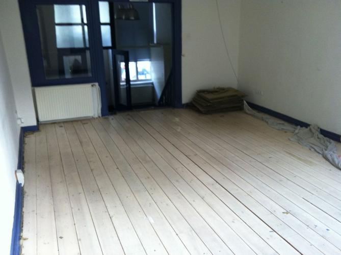 Schuren lakken houten vloer werkspot