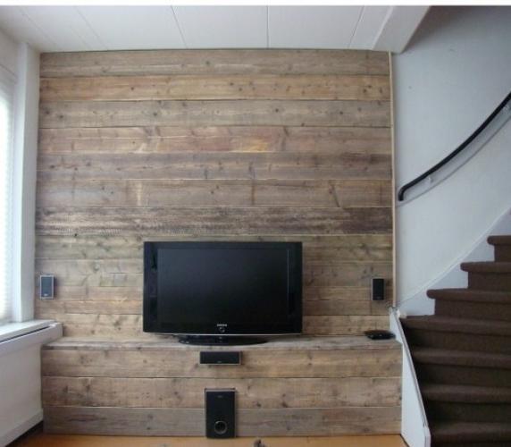 Muur en vensterbank bekleden met steigerhout werkspot - Muur plank onder tv ...