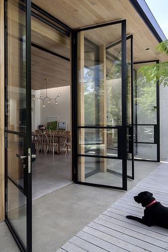Stalen deuren met glas maken