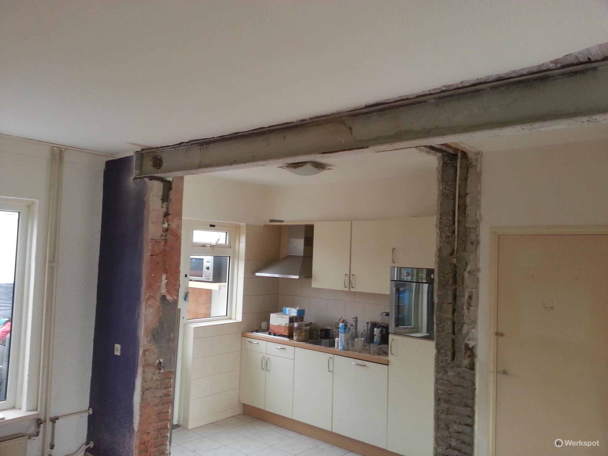 Verwijderen draagmuur voor open keuken werkspot - Keuken open voor woonkamer ...