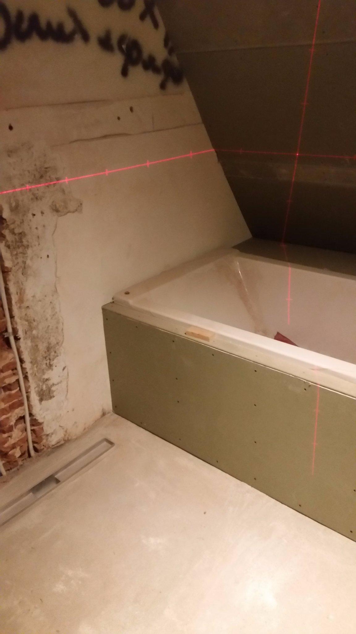 Badkamer waterdicht maken + betegelen. (En wanneer gereed wc beneden ...