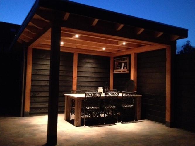 Veranda Met Schuur : Uitbouwen houten schuur met veranda werkspot