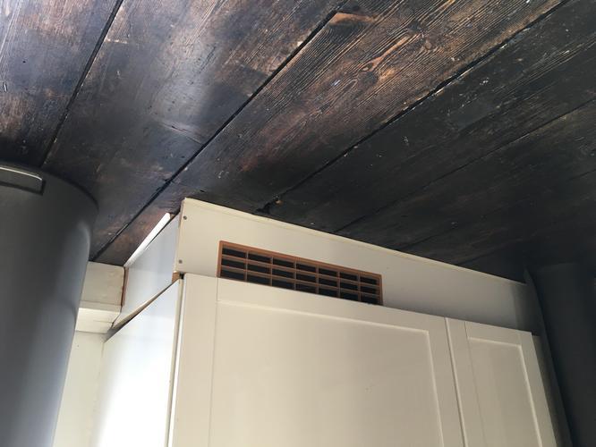 Plint onder keuken vervangen werkspot