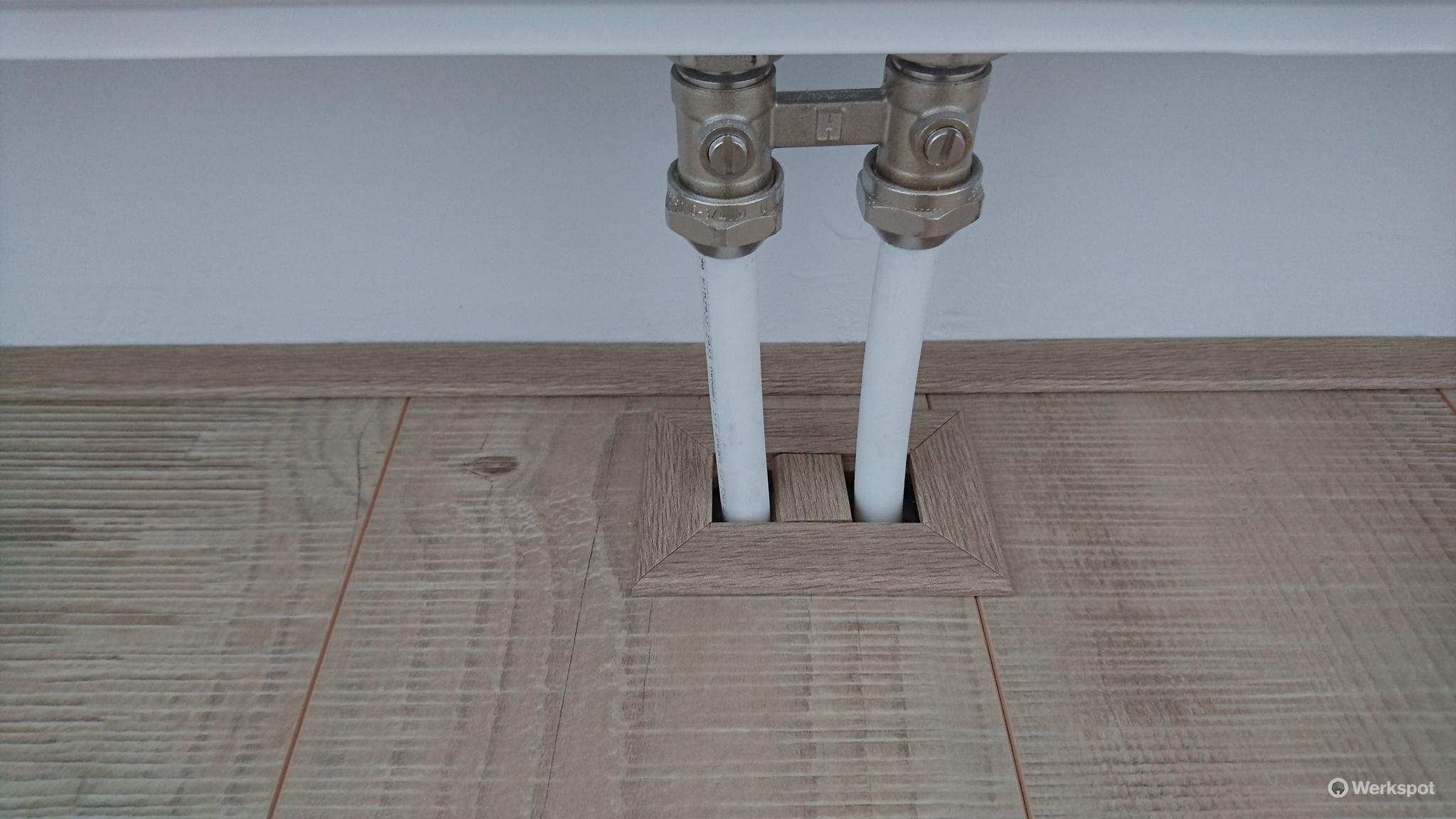 Laminaat Leggen Ondervloer : Laminaat leggen icm ondervloer en plinten ong m werkspot