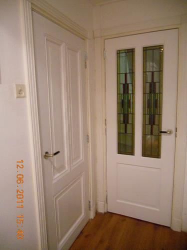 Schilderen deuren en kozijnen binnen buiten werkspot for Deuren en kozijnen