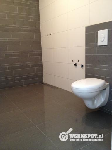 Badkamer vloer afwerken en tegelen en wanden tegelen - Werkspot