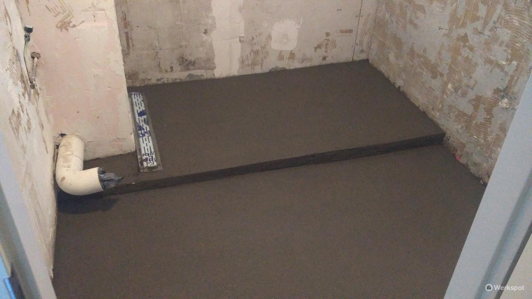 Zandcementvloer badkamer 6m2 - Werkspot