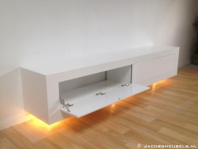 Zwevende Tv Kast : Zwevend tv meubel hoogglans wit werkspot