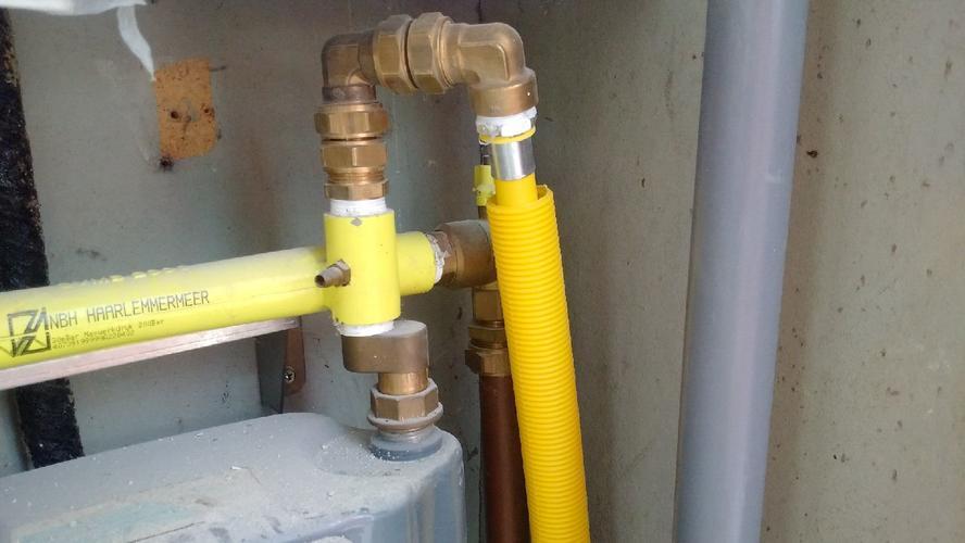 uponor 20mm gasleiding persen en druktest uitvoeren