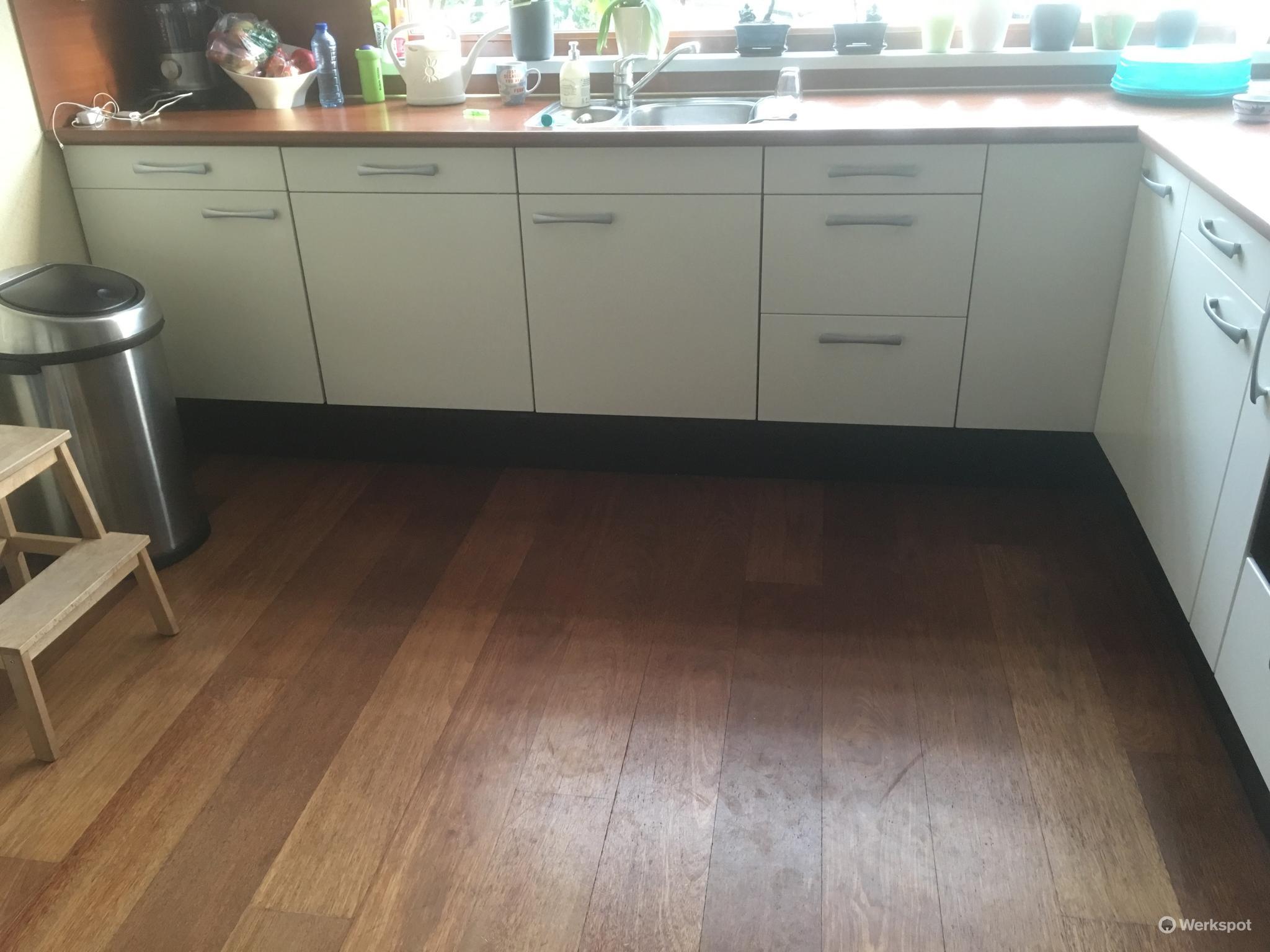 Keukendeurtjes Folie Vervangen.Plakfolie Keukenkastjes Verwijderen