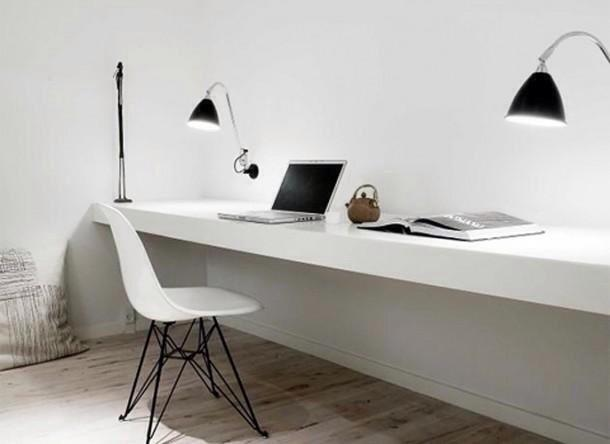 Design Bureau Woonkamer : Zwevend bureau in woonkamer met zwevende planken erboven werkspot