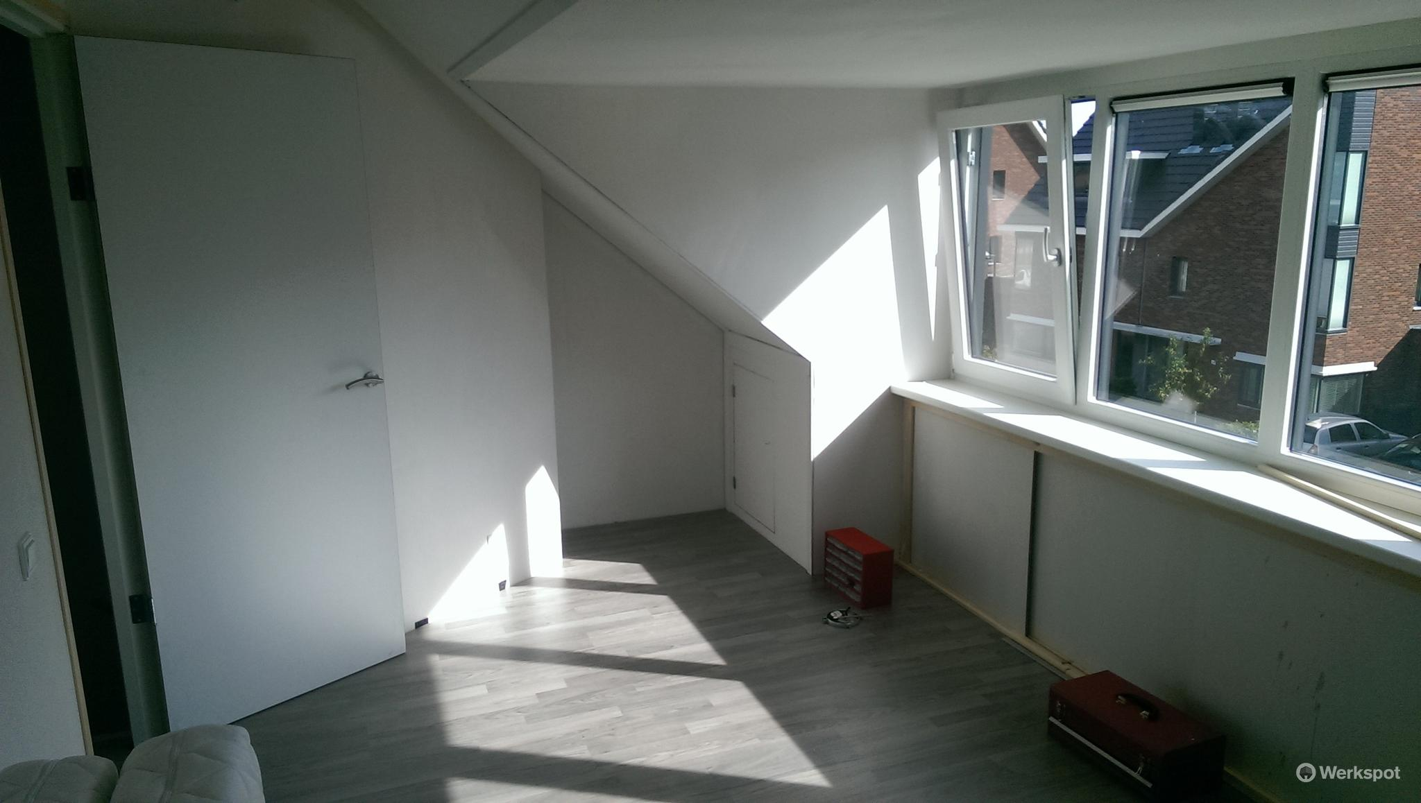 Vliering met vlizotrap van n zolder 3 kamers maken en een vloer werkspot - Furbishing een kamer op de zolder ...