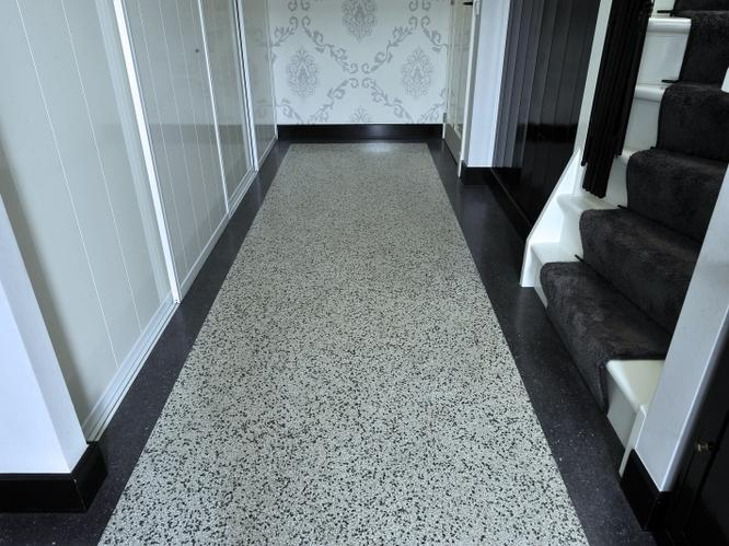 Granito  terrazzovloer leggen in de keuken   Werkspot
