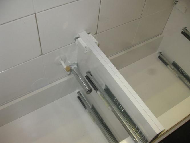 Aansluiten aan en afvoer dubbele wastafel werkspot for Wastafel aansluiten