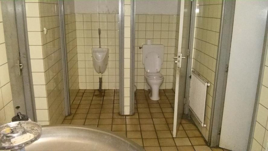 Hangend Toilet Afmetingen : Renavatie oud toilet afmeting meter werkspot