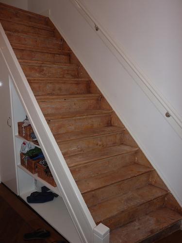 trap schuren en schilderen werkspot On trap schuren