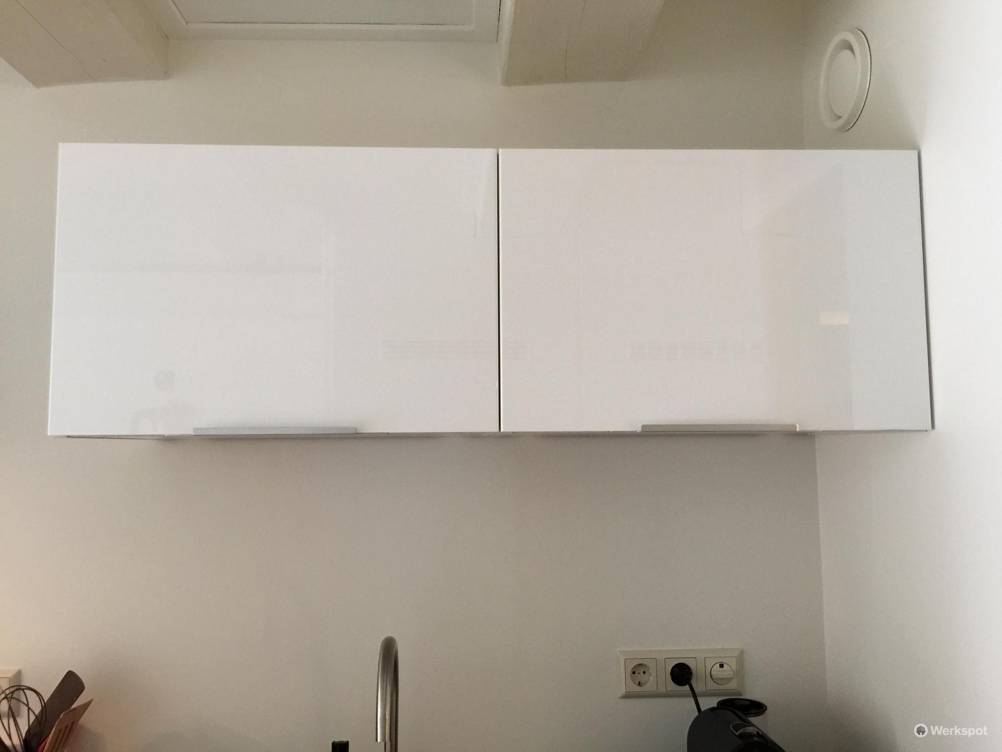 Bovenkast Keuken Ikea : Ikea keuken bovenkast plaatsen werkspot