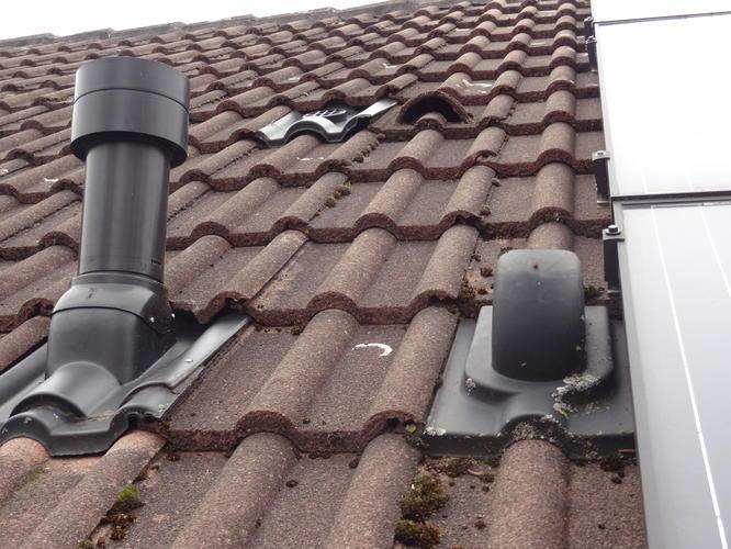 Beroemd Reparatie stormschade dak: lood schoorsteen en ventilatiepijp YT59
