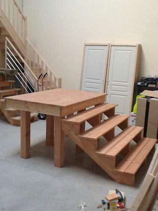 Maken plaatsen houten buitentrap 150x75cm bxh met podium for Houten trap plaatsen