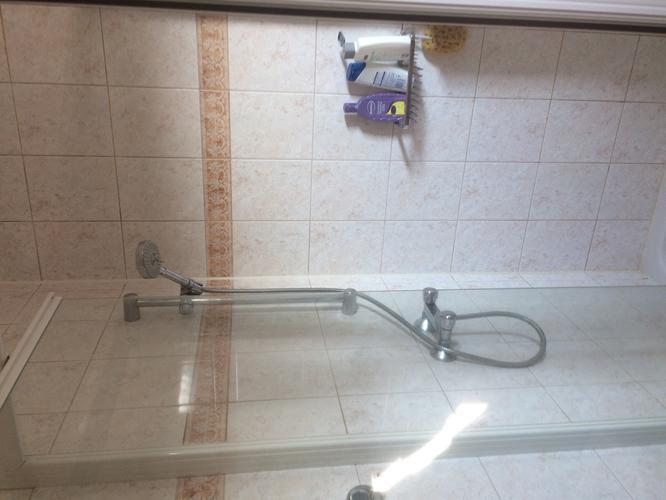 Inloopdouche maken in bestaande badkamer op de plaats van de