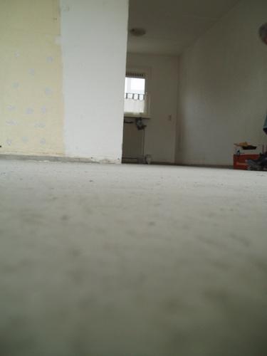 Verwijderen cementlaag leggen nieuwe smeervloer for Tegels vlissingen