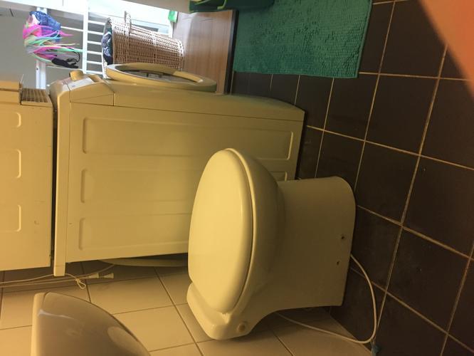 Sanibroyeur Toilet Aansluiten : Plaatsen en aansluiten sanibroyeur werkspot