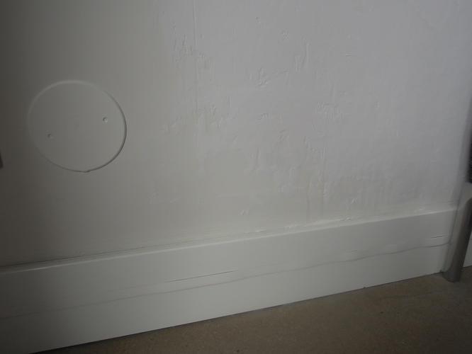 herstellen/gladmaken van muur in de woonkamer - Werkspot