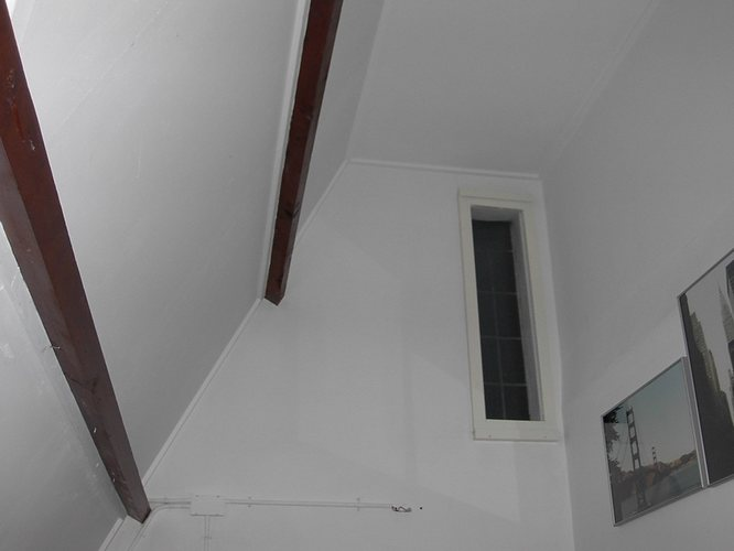 Glasvlies Behang Badkamer : Kleine verbouwing zolder tot slaapkamer met badkamer werkspot