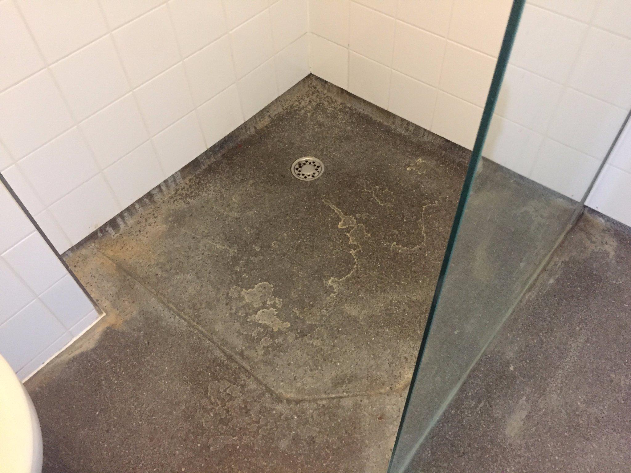 Terrazzo vloer badkamer behandelen - Werkspot