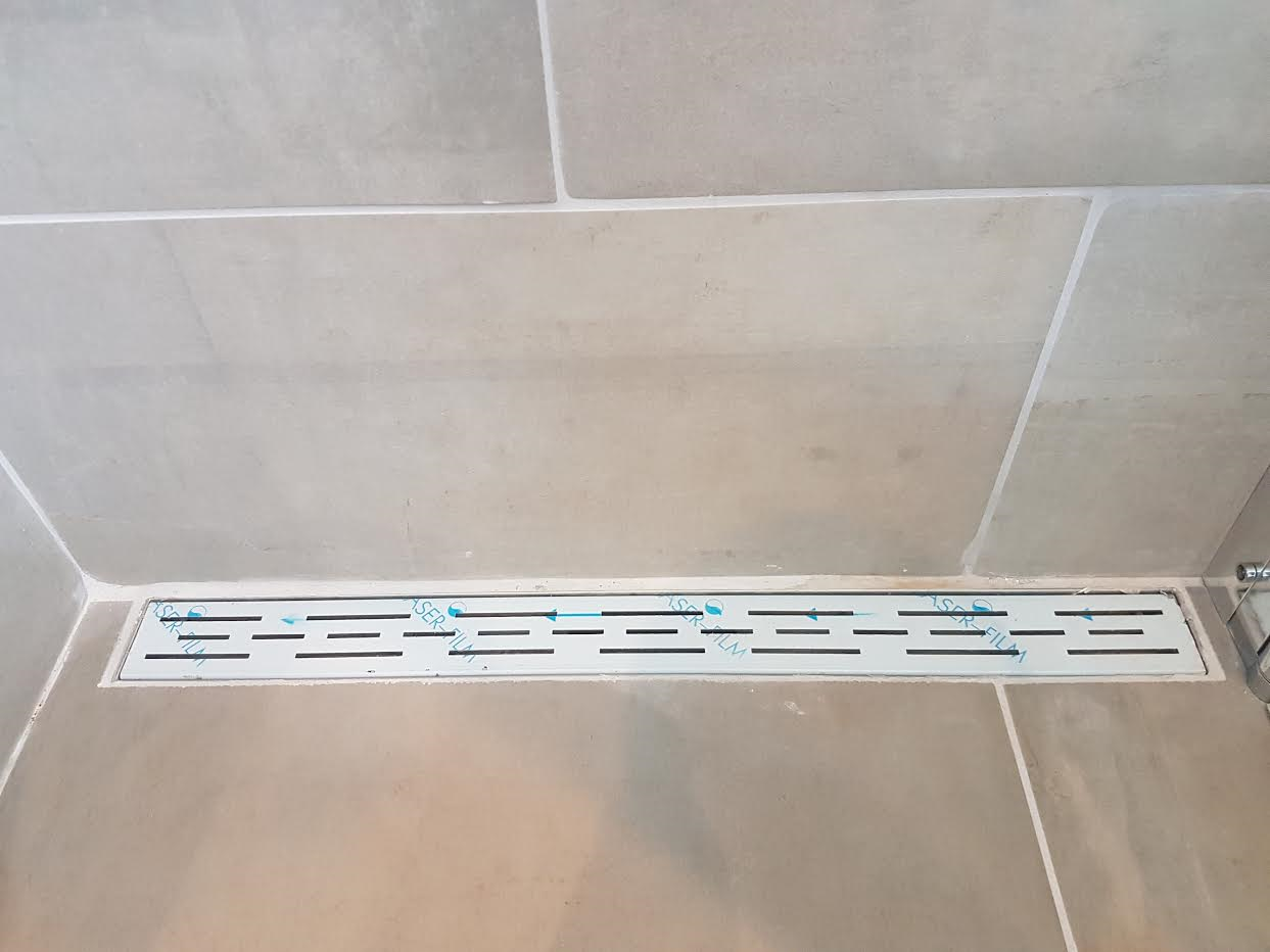 Afkitten nieuwe badkamer klein formaat werkspot